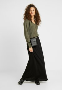 Anna Field Petite - Maxi skirt - black - 1