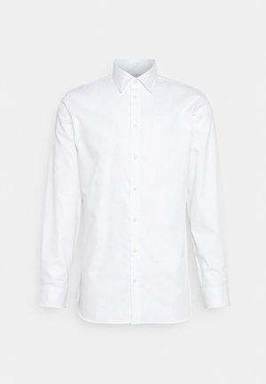 SLHSLIMETHAN SHIRT CLASSIC - Formální košile - bright white