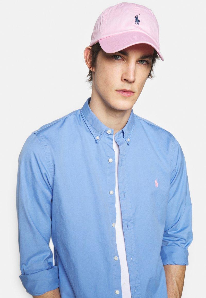Polo Ralph Lauren - CLASSIC SPORT UNISEX - Czapka z daszkiem - carmel pink /jewe