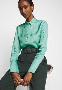 Victoria Victoria Beckham - BUTTON DETAIL - Blouse - spearmint green - 6