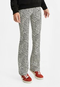 WE Fashion - Trousers - all-over print - 1