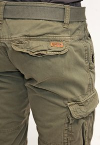 INDICODE JEANS - MONROE - Shorts - army - 5