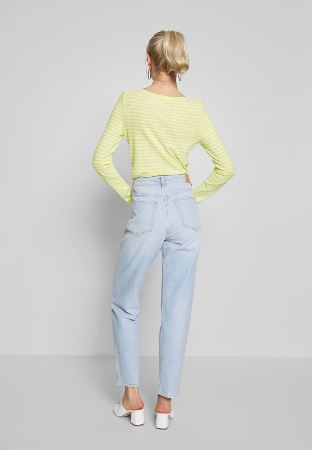 HETTA RELAXED - Relaxed fit jeans - light blue shade denim