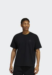 adidas Originals - PHARRELL TEE - T-shirt med print - black - 0