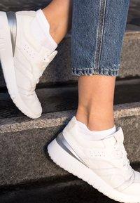 FALKE - Trainer socks - white - 4