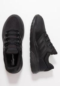 adidas Performance - GALAXY 4 - Obuwie do biegania treningowe - core black/footwear white - 1