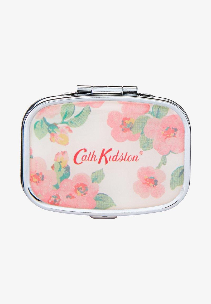 Cath Kidston Beauty - FRESTON COMPACT MIRROR LIP BALM - Læbepomade - -