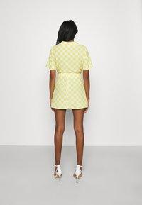 Glamorous - MAYA CARE FLORAL PRINTED MINI SKIRT - Mini skirt - green checkboard - 2