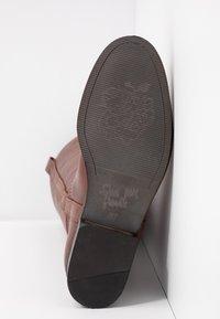 Apple of Eden - KAREN - Vysoká obuv - brown - 6