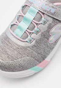Skechers - DREAMY LITES - Trainers - light grey heathered/aqua/pink - 5