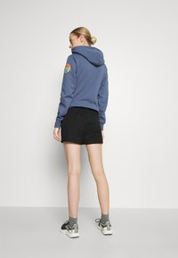 The North Face - CLASS V - Shorts outdoor - black - 2