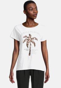 Cartoon - CASUAL SHIRT MIT RUNDHALSAUSSCHNITT - Print T-shirt - white/copper - 0