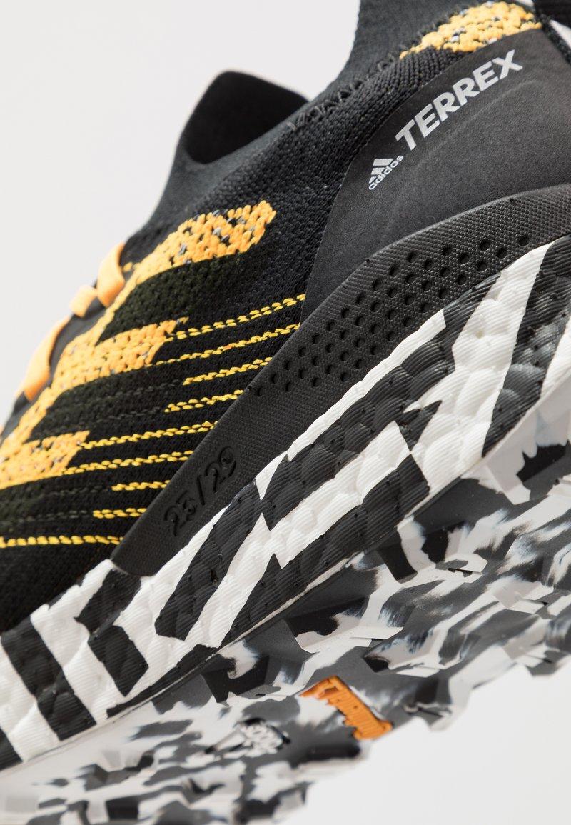 Por separado obispo Devorar  adidas Performance TERREX TWO ULTRA PARLEY - Zapatillas de trail running -  solar gold/core black/footwear white/dorado - Zalando.es