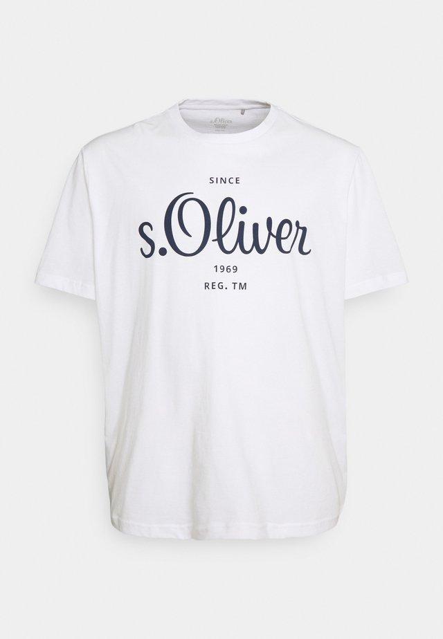 KURZARM - T-shirt med print - white