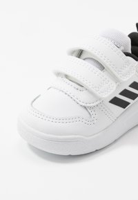 adidas Performance - TENSAUR UNISEX - Chaussures de course - footwear white/core black - 2