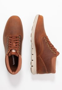 Timberland - BRADSTREET - Lace-up ankle boots - rust - 1