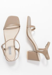 Nly by Nelly - SQUARE BLOCK HEEL  - Sandaler - nougat - 3