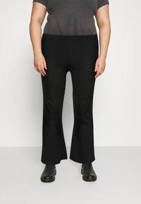 Pieces Curve - PCMOLLY  PANTS - Trousers - black - 0