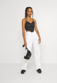 Missguided - CONTRAST STRAIGHT LEG TROUSER - Trousers - white - 1