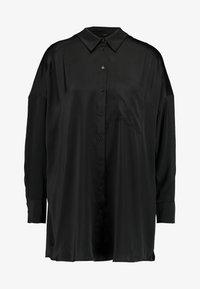 Monki - CATCHING BLOUSE - Skjortebluser - black dark - 4