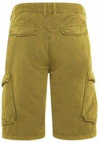 camel active - REGULAR FIT - Shorts - gold - 8