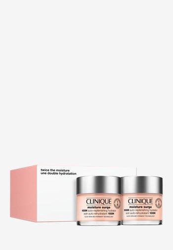 TWICE THE MOISTURE SET - Skincare set - -