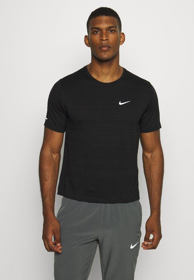 MILER  - T-shirts - black/silver