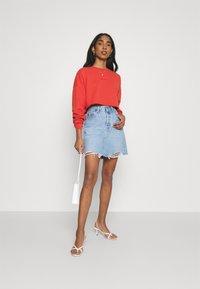 Abrand Jeans - OVERSIZED CROP - Sweatshirt - rust red - 1