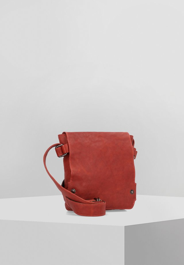 PULL UP UMHÄNGETASCHE LEDER 21 CM - Across body bag - rusty