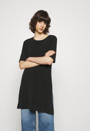 TINNA TUNIC - Basic T-shirt - black