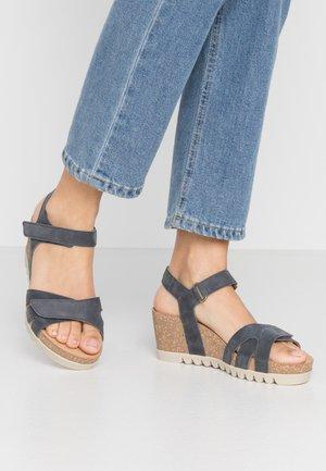 Platform sandals - river