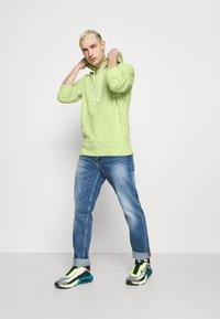 Levi's® - NEW ORIGINAL HOODIE  - Hoodie - greens - 1