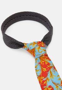 Versace - Tie - rosso/azzurro - 2