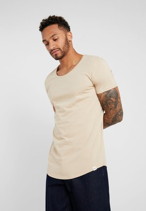 SHAPED TEE - Jednoduché triko - dust beige
