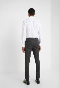 HUGO - HESTEN - Oblekové kalhoty - charcoal - 2