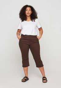 Zizzi - Denim shorts - dark brown - 0