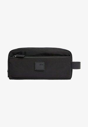 NYLONCAS - Wash bag - noir