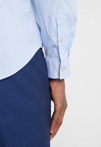 PS Paul Smith - SHIRT SLIM FIT - Formální košile - light blue - 4