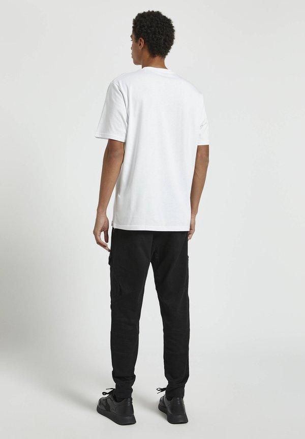 PULL&BEAR T-shirt z nadrukiem - white/biały Odzież Męska DOBB