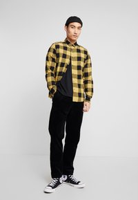Only & Sons - ONSGUDMUND CHECKED - Skjorta - burnished gold - 1