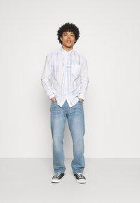 Wrangler - LS 1 PKT SHIRT - Shirt - white - 1