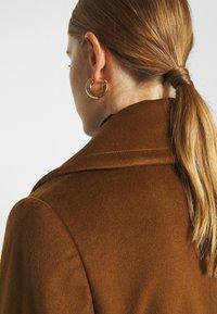 Sand Copenhagen - COAT CLARETA BELT - Classic coat - brown - 4