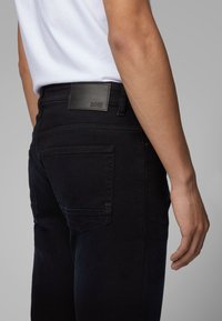 BOSS - Straight leg jeans - dark blue - 3