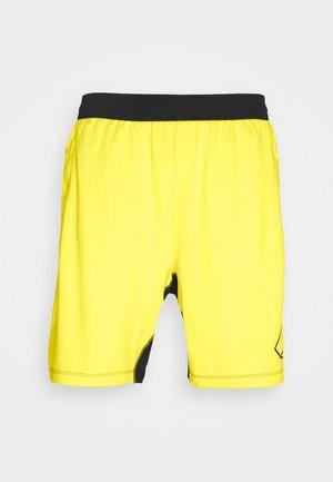 HYPE SHORT - Korte sportsbukser - yellow