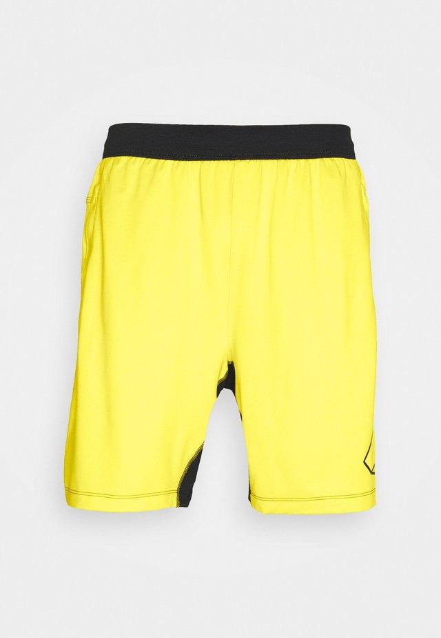 HYPE SHORT - Sportovní kraťasy - yellow