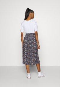 Hollister Co. - CHAIN CINCH MIDI - A-line skirt - blue - 2