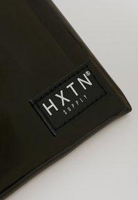 HXTN Supply - PRIME CROSSBODY - Bum bag - optic black - 5