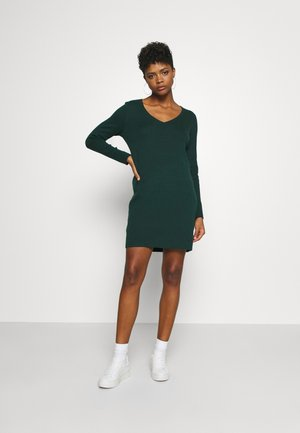 VMDIANE V NECK DRESS  - Robe fourreau - ponderosa pine