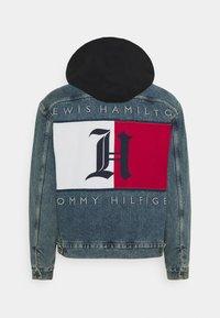 Tommy Hilfiger - LEWIS HAMILTON UNISEX OVERSIZED HOODED - Denim jacket - indigo denim - 1
