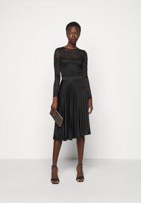 Dorothy Perkins Tall - PLEAT SKIRT - A-line skirt - black - 1